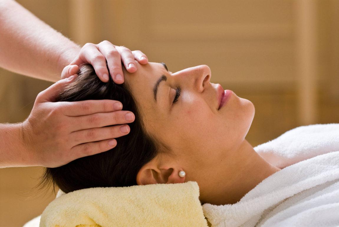 Head-to-Toe-Massage.jpg