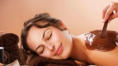 The chocolate body scrub can leave your skin glowing