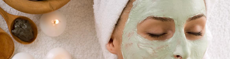 Lotus-24Karat-GOLDSHEEN-Facials-Beauty-Parlour